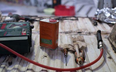 Comment supprimer la rouille et reboucher les trous de la carrosserie – 1ère partie