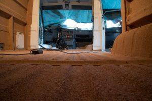 Isolation fourgon aménagé : la pose du liège et l'isolation du sol