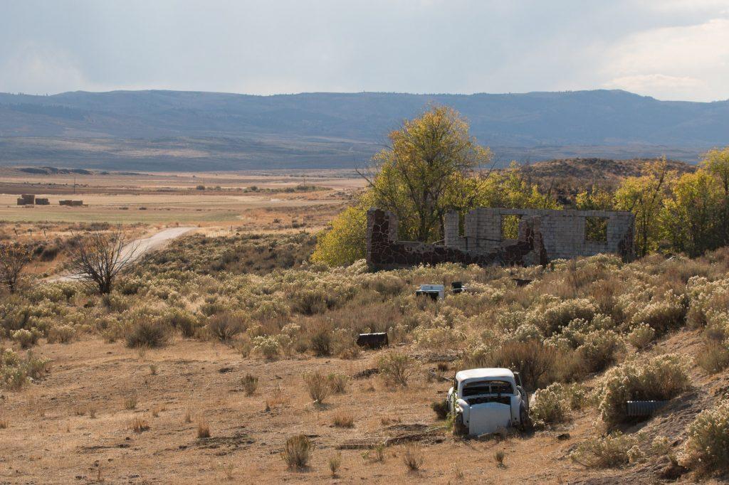 Maison abandonnée sur la route