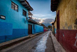 MEXIQUE – CHIAPAS – Tikal se promène dans la région du Chiapas