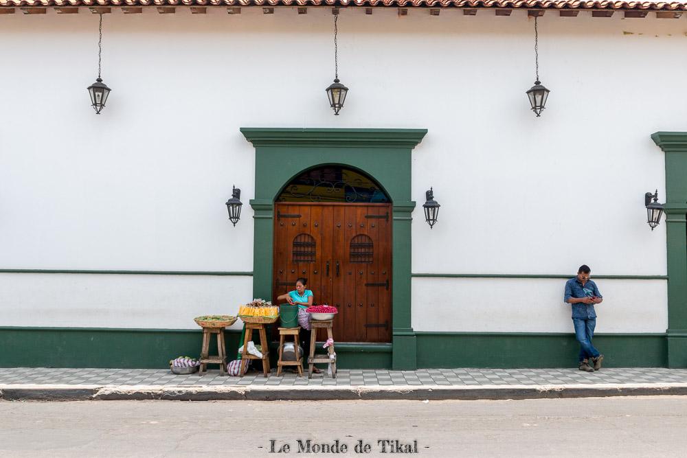 nicaragua leon street rue vendeuse seller