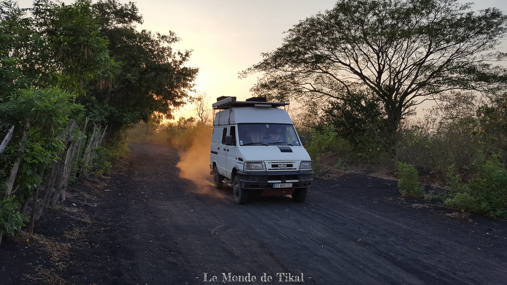 nicaragua cerro negro volcan volano ashes cendres tikal iveco daily 4x4 4010