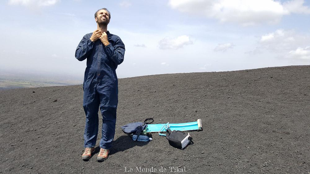 nicaragua cerro negro volcano volcan ashes cendres stéphane costume suit