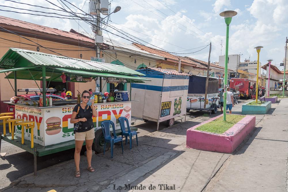 nicaragua leon stands street rue