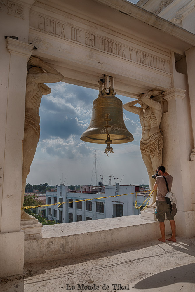 nicaragua leon cathedrale church asuncion bienaventurada virgen maria cloche bell